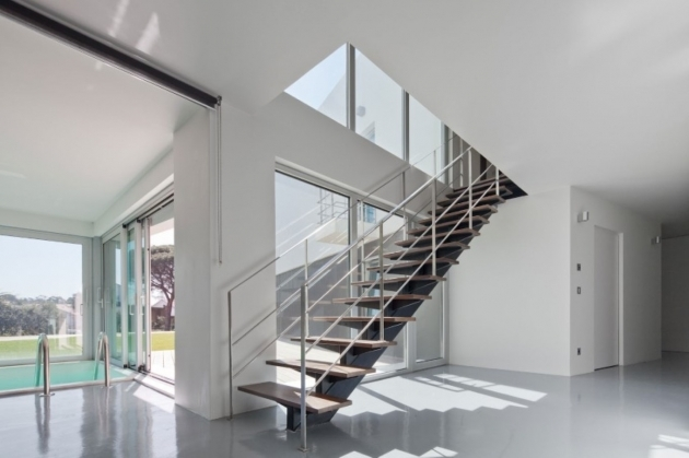 Modern Stair Railings Urban Home Design With High Ceiling And Minimalist Staircase Photo 16