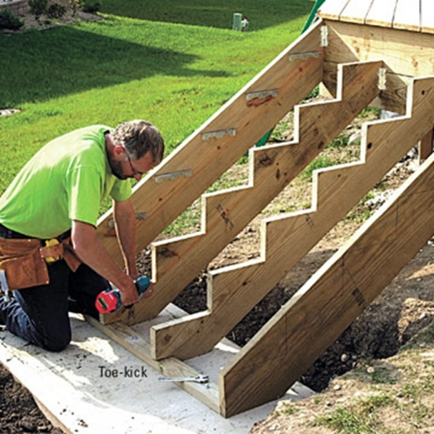 Building Stairs For A Deck How To Build A Floating Deck Photo 47