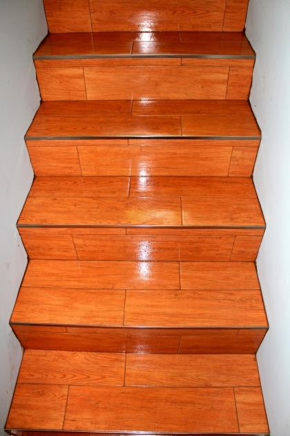 Tiling Stairs With Ceramic Tiles Wooden Style Image 01