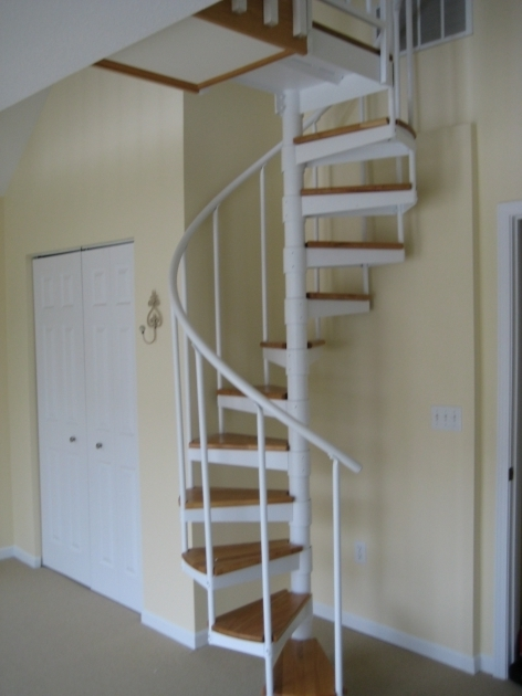 Cream Wall Paint With White Cheap Spiral Staircase Using Wood Stepped Architecture Ceramic Flooring Tile Pictures 90