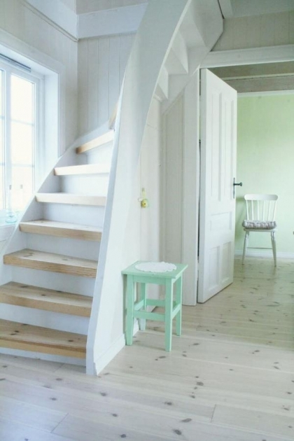 Diy Stair Design For Small Spaces Pictures 44