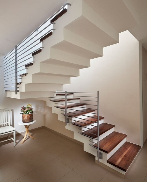 Modern Floating Stair Design For Small House With Minimalist Desk Image 91