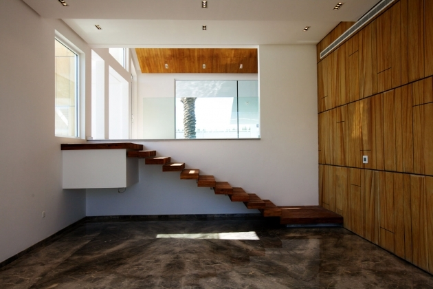 Wooden Stairs Without Railing In The Corner House And Laminate Flooring  Photos 39