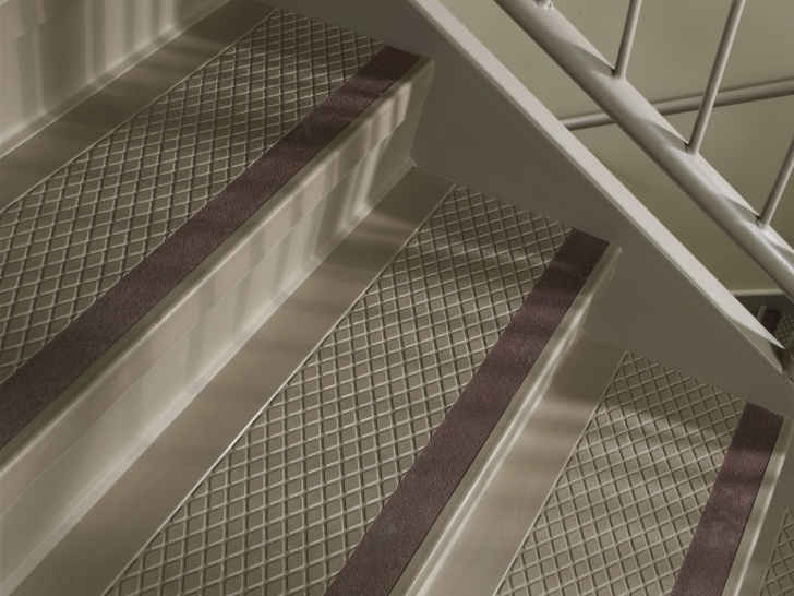 Carpet Strips For Stairs Amazon Carpet Strips For Stairs Flexco Rubber Flooring & Vinyl Flooring