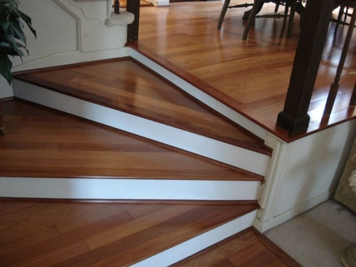 Wood And Tile On Stair I Like This Look On Stairs With Porcelain Flooring That Image 746