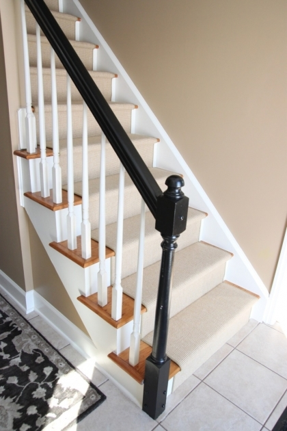 Oak Staircase White Spindles Design Treads Combine With Black Handrail And White Banister Photos 54