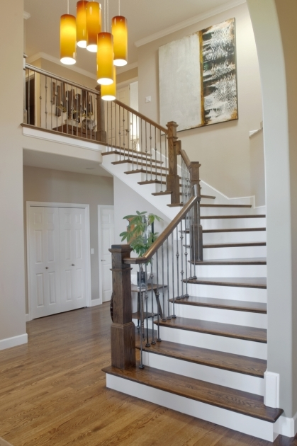 Open Staircase Railing Christmas Decorating Ideas Pic 50