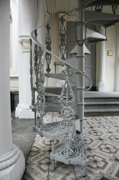 Victorian Spiral Staircase Inspiration For The Miniature Cast Iron Spiral Photo 80