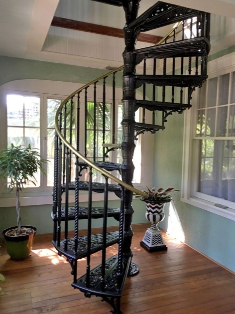 Victorian Style Spiral Staircase Image 77