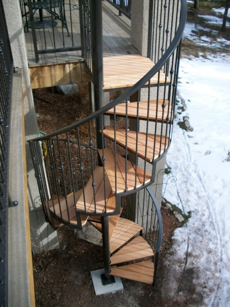 Circular Staircase Exterior Decoration Design With Spiral Metal Staircase With Black Metal Handrail And Light Brown Wood Stair Step Picture 78