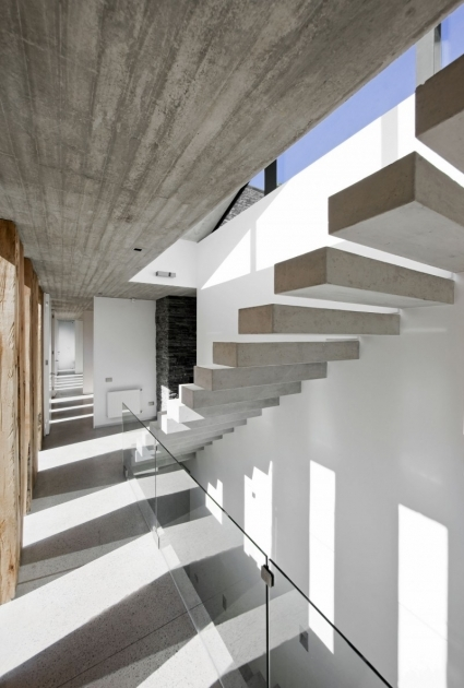 Floating Concrete Stairs Aguas Claras House Pictures 12