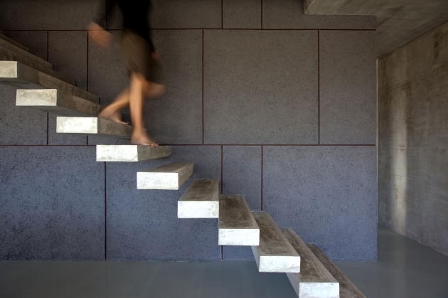 Modern Minimalist House Design Ideas Wall Mounted Stairs Without Railings Picture 45