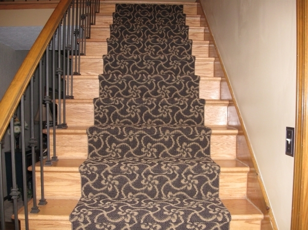 Carpeting Stairs Runner With Spindles Photos 35