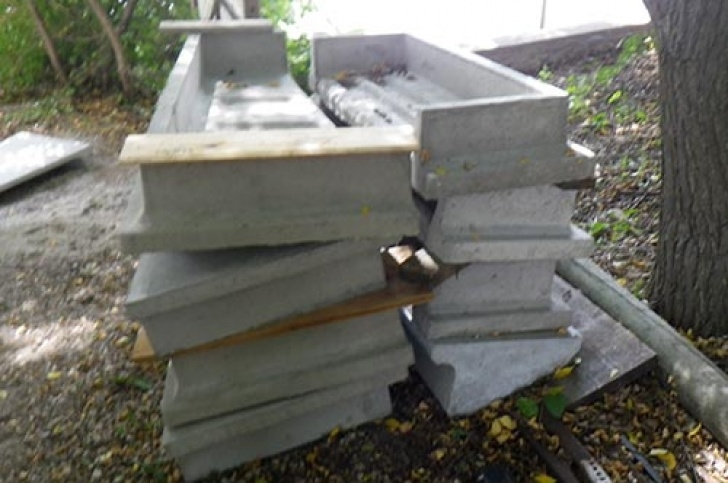 How To Build A Stair Way Into A Hill How To Build Concrete Steps | Be The Pro Picture 417