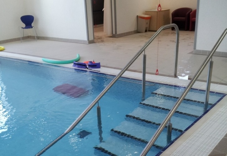 Staircase Physiotherapy What Is Hydrotherapy / Aquatic Therapy? - South Tees Picture 573